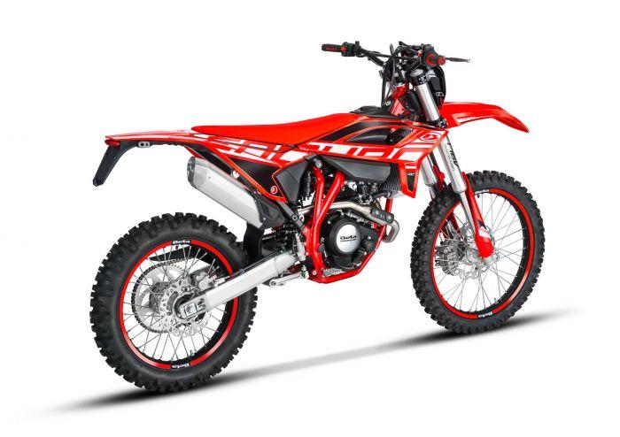 RR 4T 125 EN - Red_3_2021